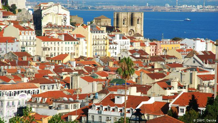Portugal Minister of the Environment Issues Vouchers to Improve Energy Efficiency